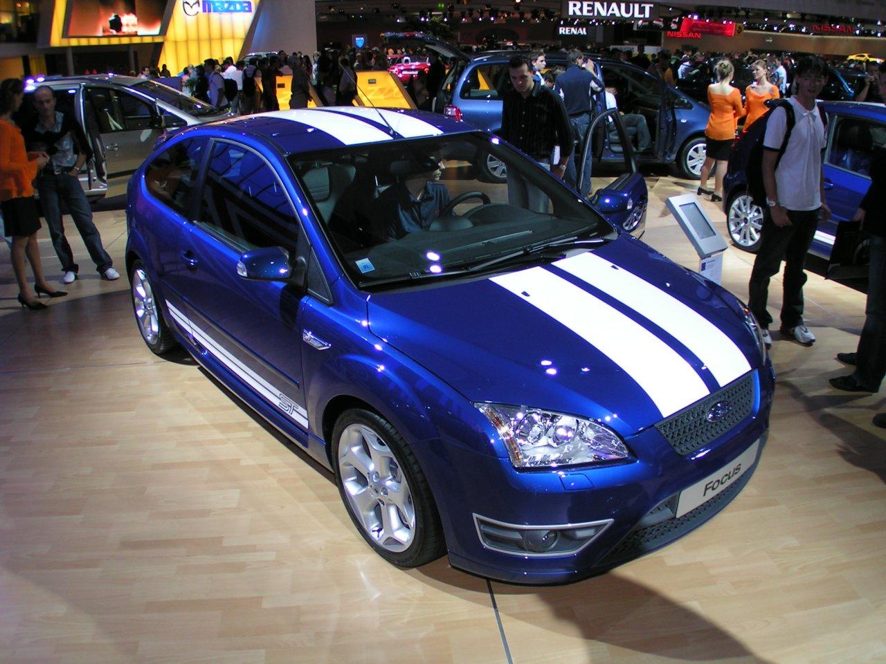 Aidez FRED à choisir la couleur de sa nouvelle voiture... Pict2979